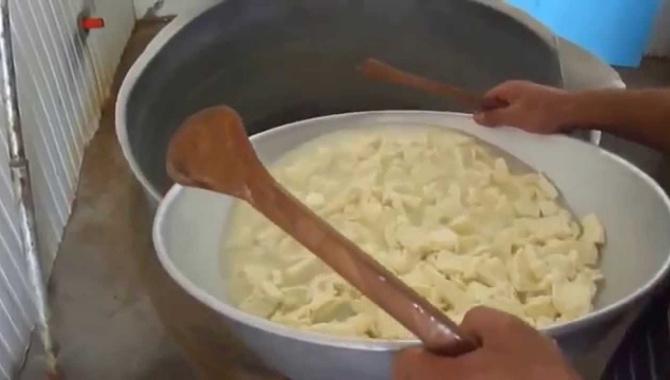 Сыр Сулугуни в Грузии