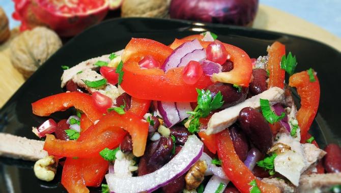 Салат Тбилиси с красной фасолью и мясом - Видео-рецепт