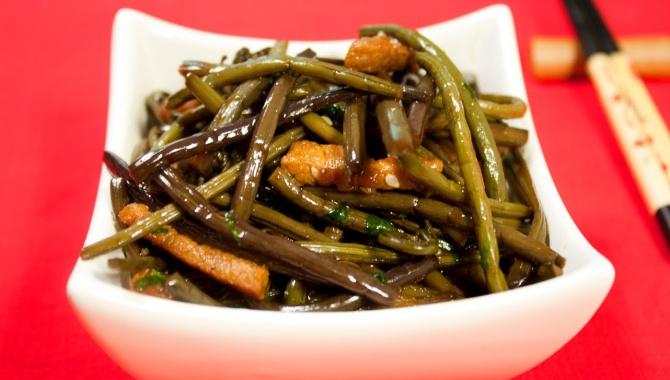Косари-ча (салат из папоротника)