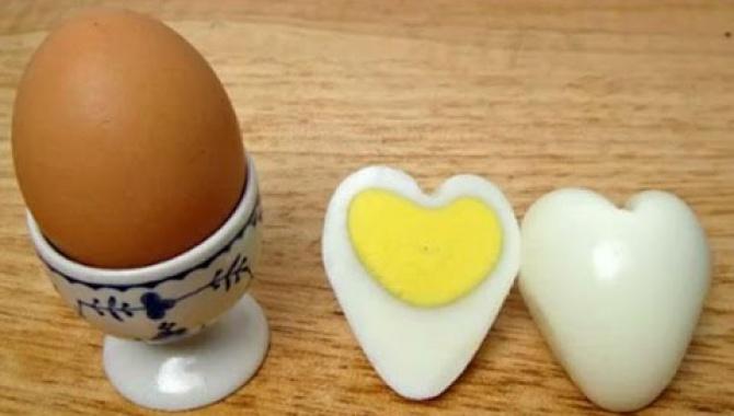 Яйца в форме сердец - Видео-рецепт