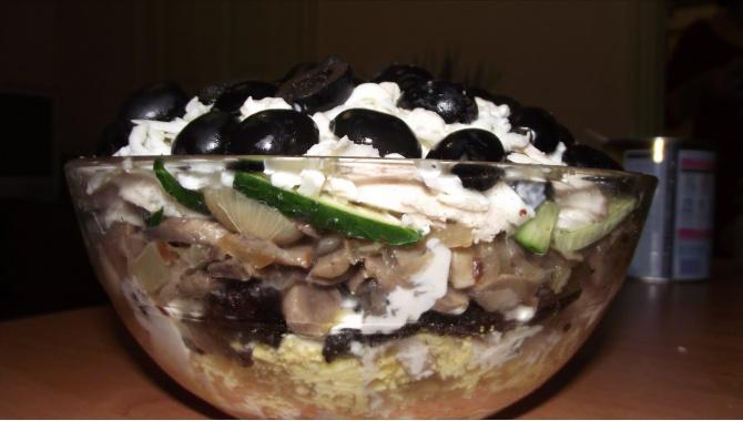 Праздничный салат Обжора - Рецепт