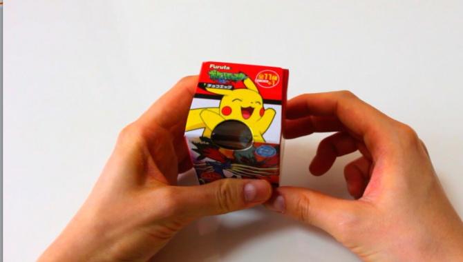 Шоколадное яйцо с покемоном - Видео