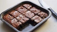 Шоколадный торт по типу Брауни, что приготовить на 23 февраля?