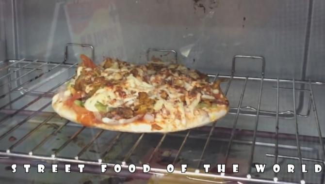 Куриная пицца.Индия