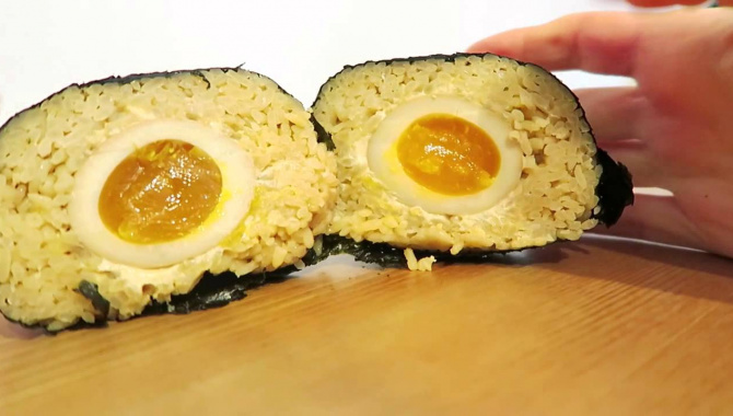 Япония. Рисовые колобки Онигири. Бомба! (Видео)