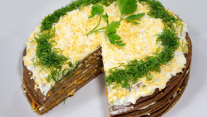 Печеночный торт из куриной печени с луком и морковью - Видео-рецепт