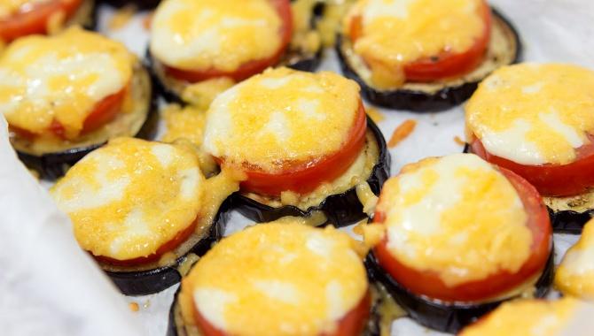 Баклажаны с помидорами и сыром - Видео-рецепт