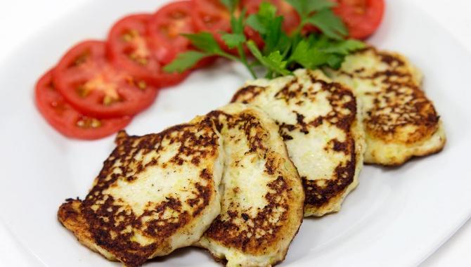 Вкусные оладьи из кабачков и курицы - Видео-рецепт
