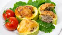 Кабачки с фаршем и сыром - Видео-рецепт