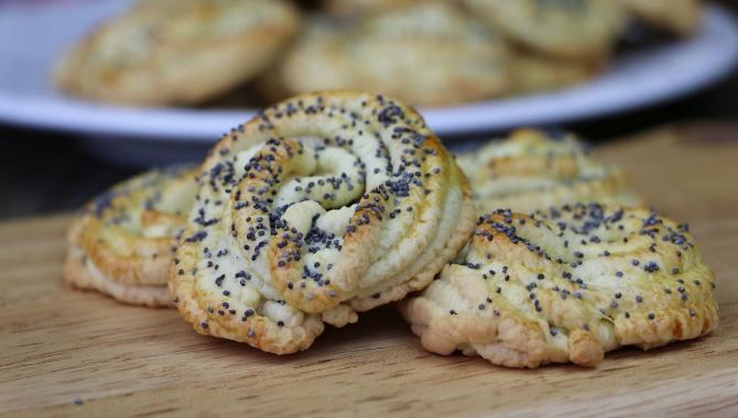 Печенье через мясорубку Маковые розочки - Видео-рецепт