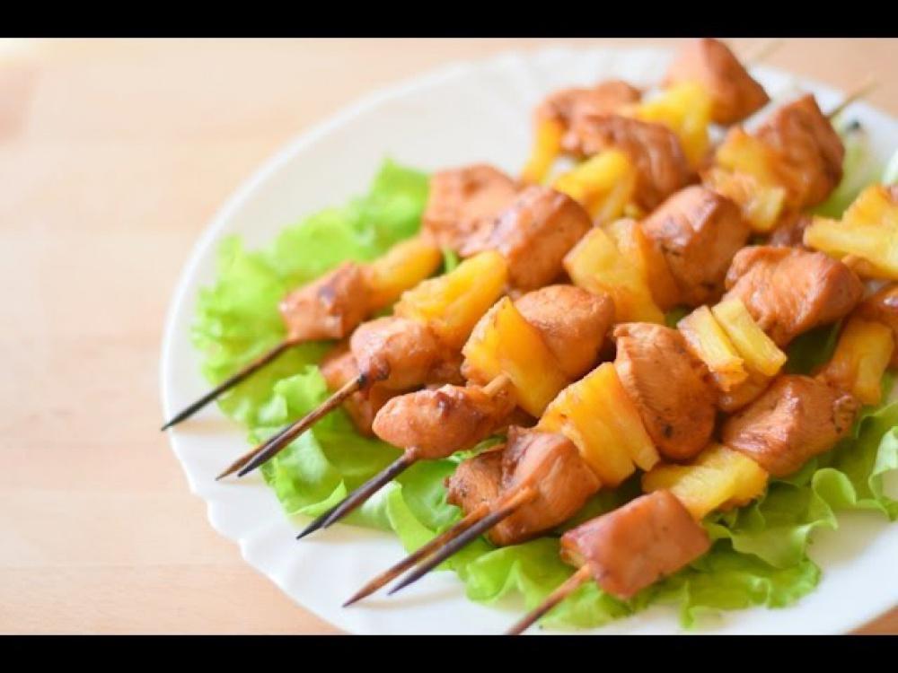 шашлык из курицы с ананасами в духовке