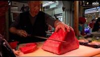 Вот так готовят настоящие японцы. Японская уличная еда! Сашими (Видео)
