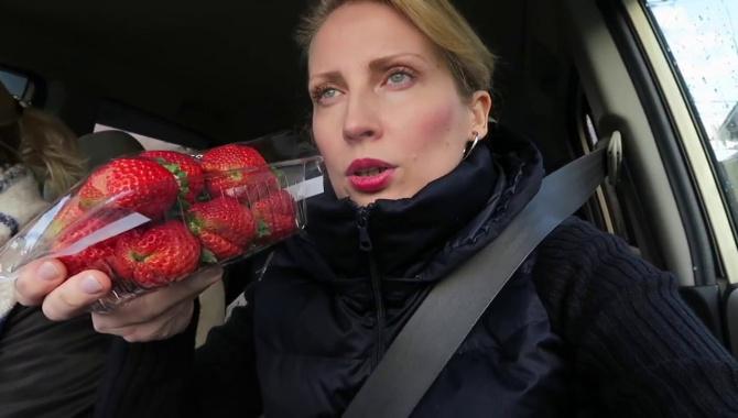 Накупили кучу еды! (Видео)