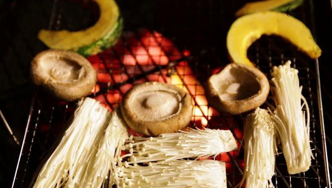 Ужин на свежем воздухе. Ночное BBQ на полуострове Изу (Видео)