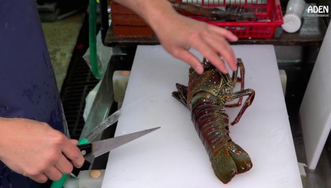 Лобстер Сашими - Уличная еда в Японии (Видео)
