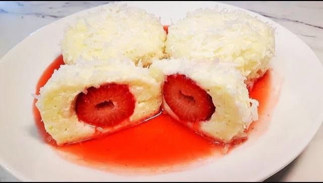 Десерт из клубники с творогом - Видео-рецепт