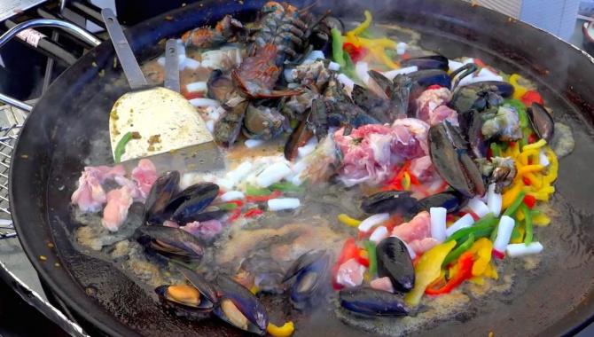 Фестиваль уличной еды в Нара, Япония (Видео)