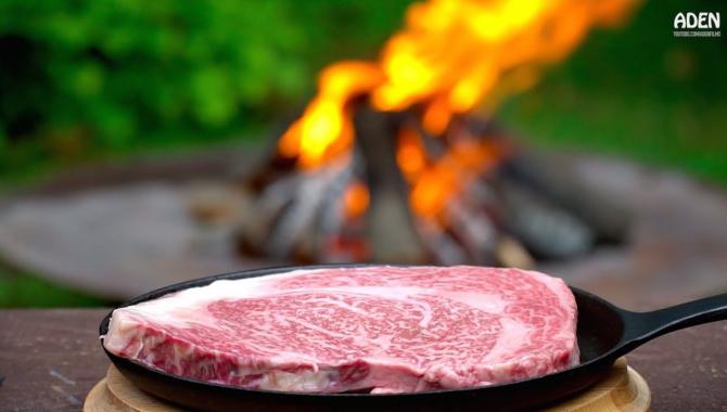 Приготовление японской говядины Кобе на костре (Видео)