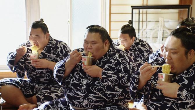 Японская Реклама - Лапша быстрого приготовления MARUCHAN QTTA