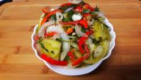 Салат из зеленых помидор - Видео-рецепт