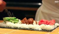 Суши-роллы в Токийском ресторане (Видео)