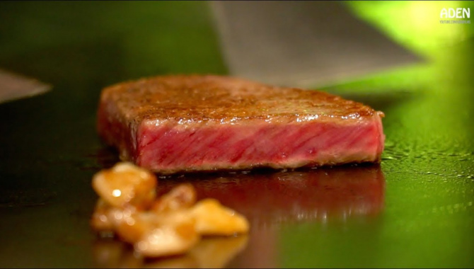 Самый дорогой японский стейк - Говядина Мацусака Вагю Тэппанъяки (Видео)