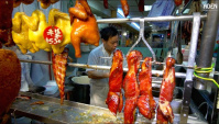 Гонконгский рынок Ваньчай: измельчение уток, нарезка мяса и рыбы (Видео)