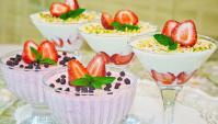 Творожно-сметанный десерт с клубникой - Видео-рецепт