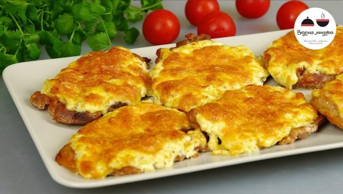 Свинина, запеченная с сыром - Видео-рецепт