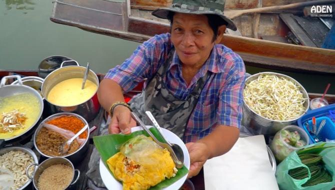 Уличная еда в Тайланде - Плавучий рынок Тха Кха (Видео)