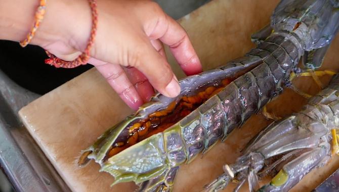 Тайская Еда - Раки-богомолы (Видео)