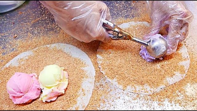 Тайваньская уличная еда - Мороженое Буррито (Видео)