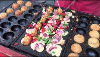 Японская уличная еда - Приготовление Такояки (Видео)