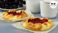 Десерт из Творожного теста с клубникой - Видео-рецепт