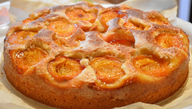 Пирог с абрикосами - Видео-рецепт
