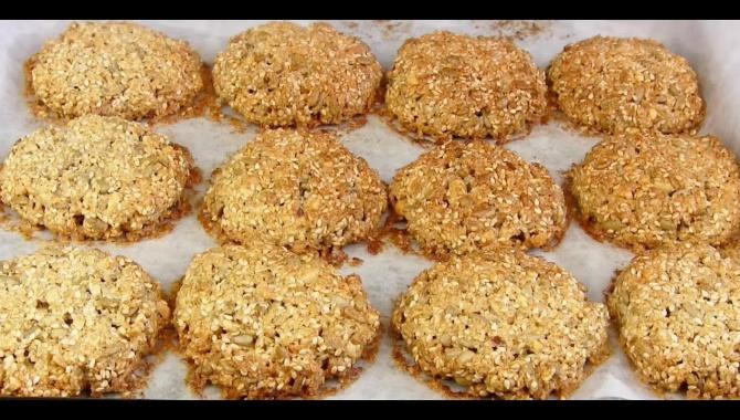 Хрустящее Овсяное Печенье с семечками - Видео-рецепт