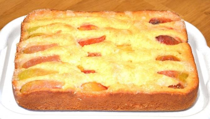 Безумно вкусный и простой пирог с фруктами - Видео-рецепт