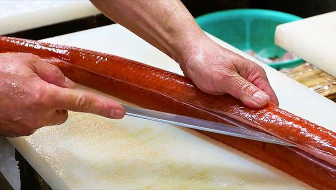 Уличная еда в Японии - Красная гладкая свистулька Сашими (Видео)