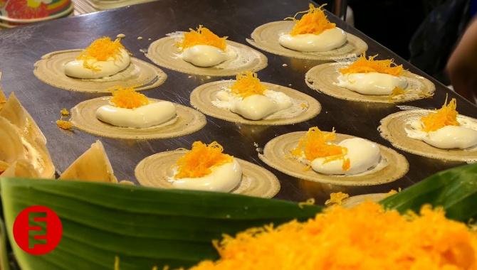 Уличная еда в Таиланде - Мини-Крепы (Видео)