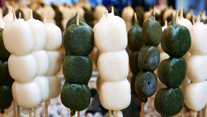Уличная еда в Японии - Данго, Моти, Крепы и другие сладости (Видео)