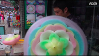 Уличная еда в Китае - Сахарная вата в виде цветов (Видео)