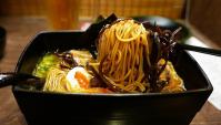 Японская Еда - Итиран (ICHIRAN) - лучшая рамэнная в мире! (Видео)