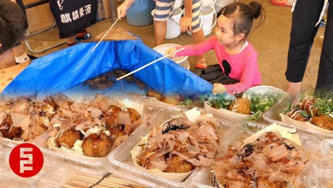 Уличная еда в Японии - Разнообразные вкусняшки на фестивале (Видео)