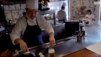 Приготовление омара со стейком на сковороде Тэппан (Видео)