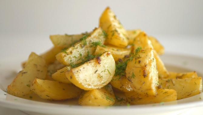 Картофель по-праздничному, запеченный в духовке - Видео-рецепт