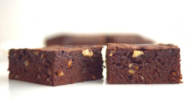 Брауни без шоколада, на какао-порошке - Видео-рецепт