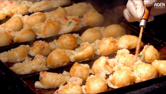 Уличная еда в Японии - Такояки в Осака (Видео)