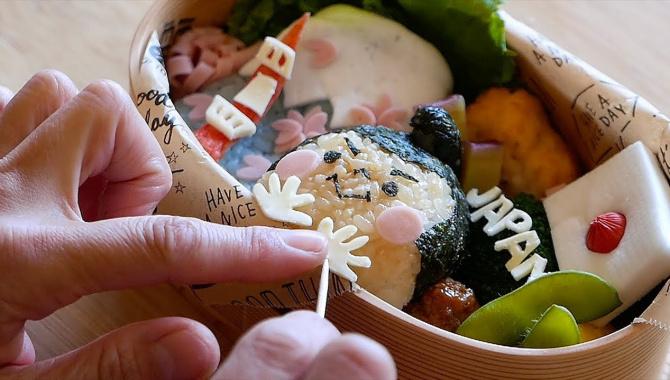 Японская Еда - Приготовление Бэнто (Видео)