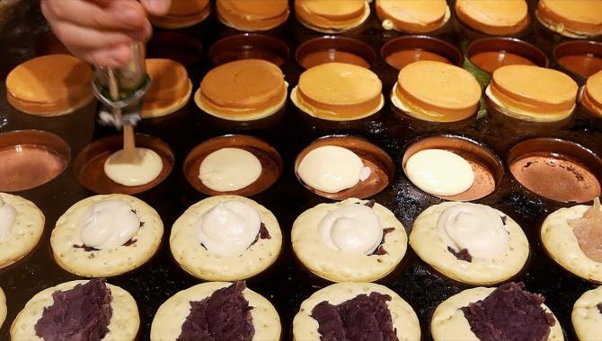 Уличная еда в Японии - Приготовление десерта Имагаваяки (Видео)