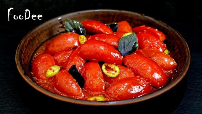 Пикантные маринованные помидоры - Видео-рецепт